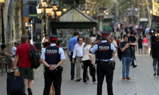 法国警方拘捕一名涉恐疑犯 试图获取武器计划在境内发动袭击