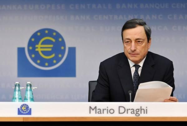 """欧元短线急升逾70点 美元却惨遭""""两连击"""""""