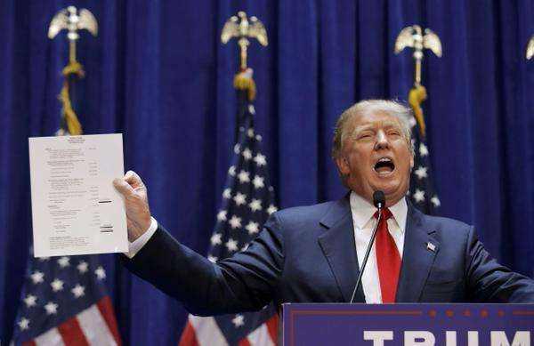 """特朗普""""撸起袖子"""" 力保年底前通过税改?"""
