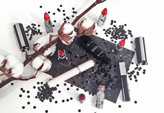 兼具性感魅惑 纪梵希推出全新暗黑系列彩妆