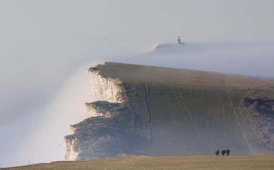 英国年度气象摄影大赛作品展示 罕见奇观令人直呼美不胜收
