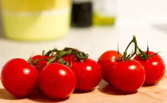 西红柿含有较多的维生素K? 告诉你食用西红柿的这些禁忌