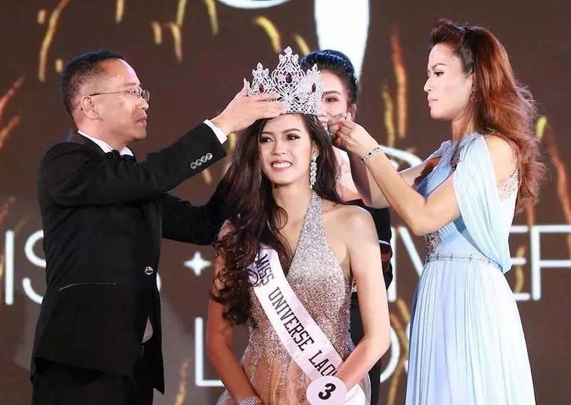老挝首位环球小姐 系传说中的九头身美女