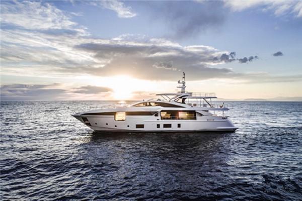 阿兹慕全新巨人系列35 METRI游艇将于法国全球首秀