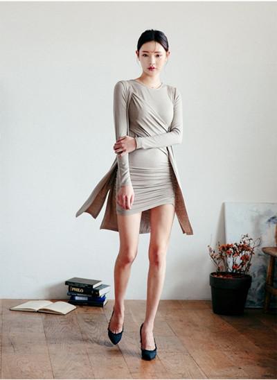 秋装穿衣搭配造型示范 三款套装保暖又时髦