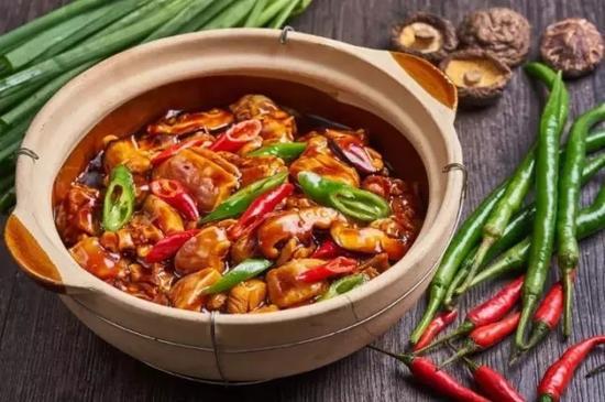 杨铭宇黄焖鸡米饭进军美国市场 每份9.99美元