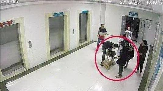 榆林产妇坠亡最新消息:涉事医院主要负责人和妇产科主任停职
