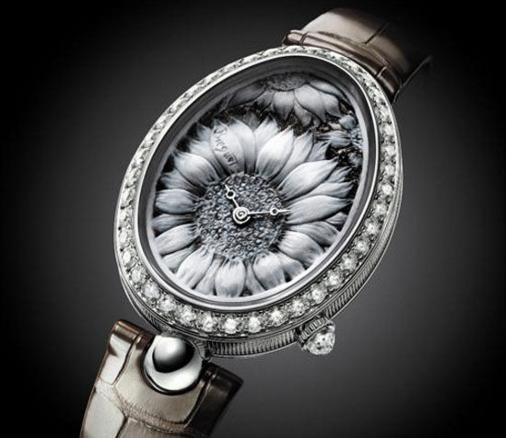 珍珠母贝珠宝腕表:精妙技艺催生出隐于表盘中的极致优雅