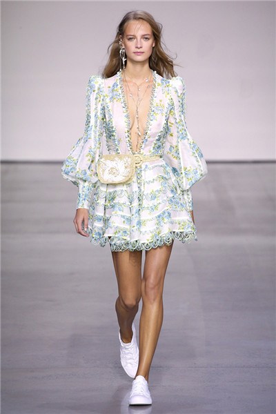 Zimmermann服装品牌于纽约时装周发布2018春夏系列