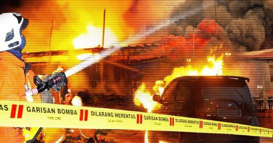 综合媒体报道,当日早5时许,吉隆坡DarulQuranLttifaqiyah宗教学校宿舍二楼发生大火。  据报道,25名死者中有22名为学生,死者年龄介于13至17岁之间。联邦直辖区部长在现场对媒体表示,这些学生试图从窗户逃生,但被护栏挡住,而这间宿舍只有一道楼梯。  有目击者表示,火势当时非常猛烈,不到一刻钟的时间,宿舍二楼便陷入火海。