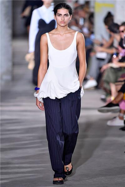 3.1 Phillip Lim于纽约时装周发布2018春夏系列时装秀