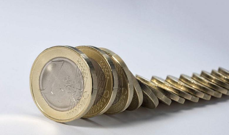 """欧元成避险""""新星""""?欧银缩减QE犯难了"""