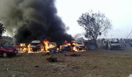 爆炸袭击发生在孔杜加地区马沙拉里村。博尔诺州紧急事务管理署官员艾哈迈德·萨托米对新华社说,救援人员已在事发现场找到12具遗体。此外,爆炸袭击还造成26人受伤。