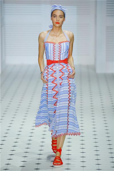 Temperley London服装品牌于伦敦发布2018春夏系列时装秀