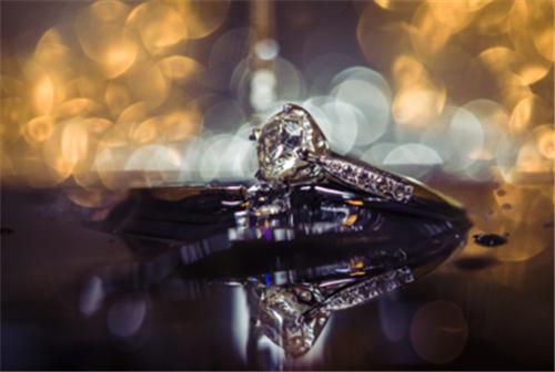 结婚钻戒如何保养?