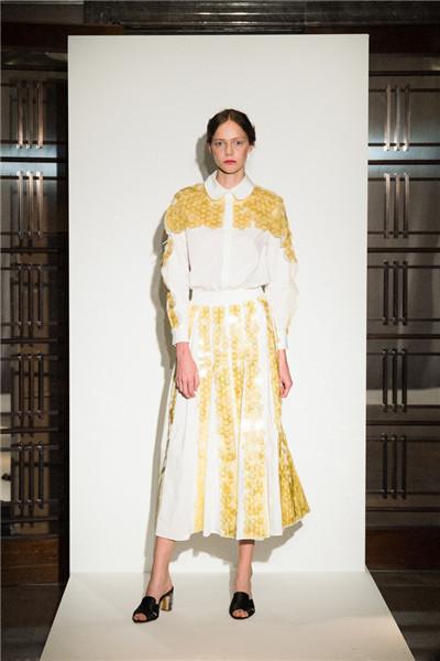 Huishan Zhang服装品牌于伦敦发布2018春夏系列时装