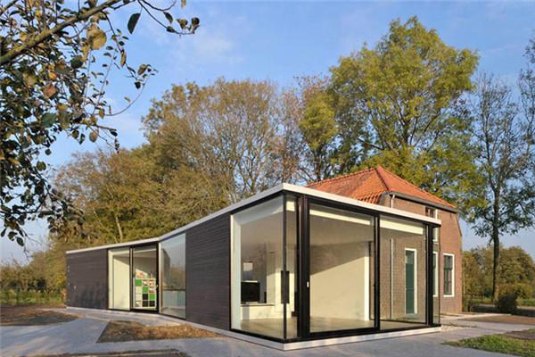 荷兰乡村豪宅:住宅的客厅呈开放式布局