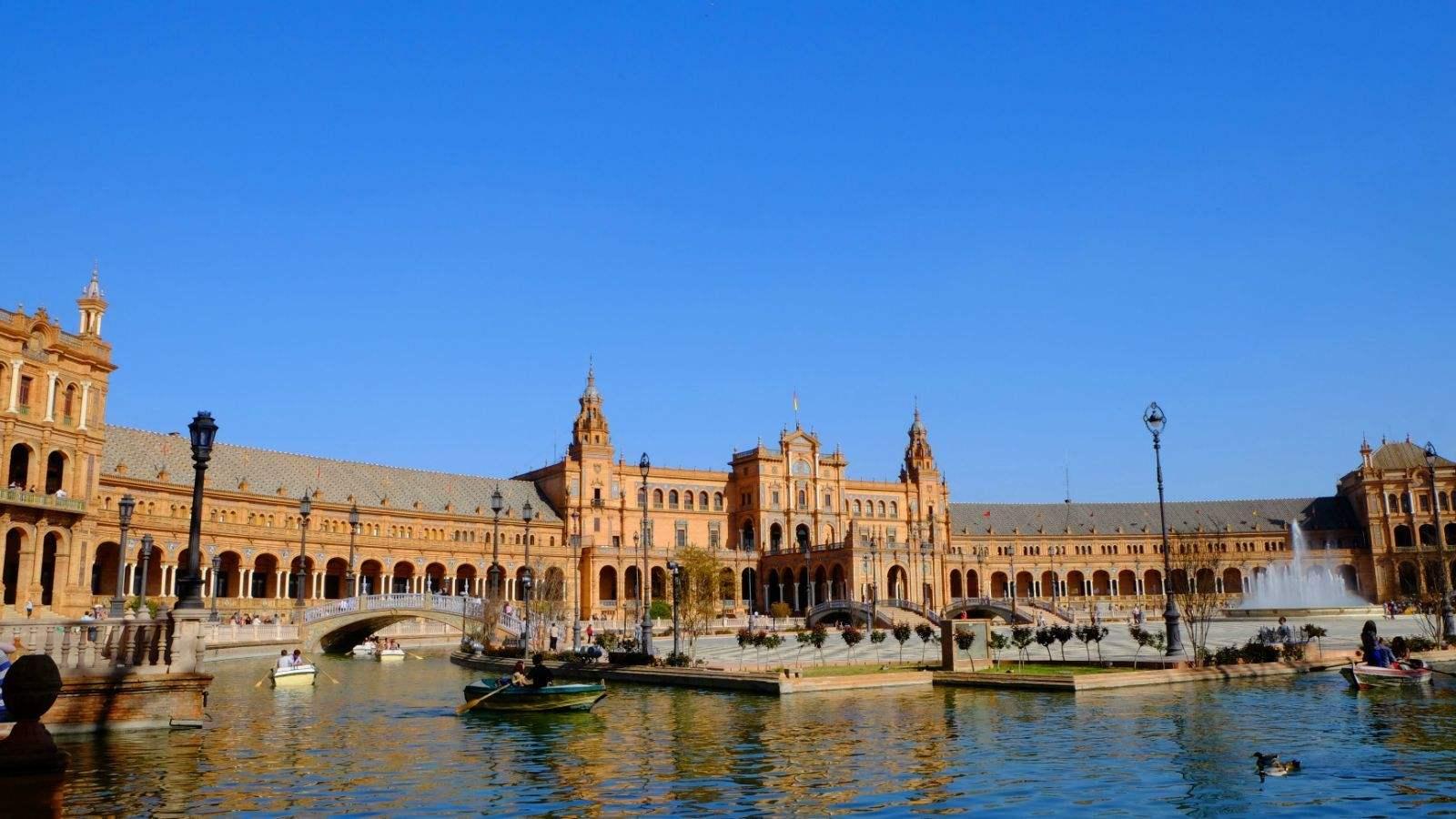受企业并购与西班牙政治情势影响 欧股收平