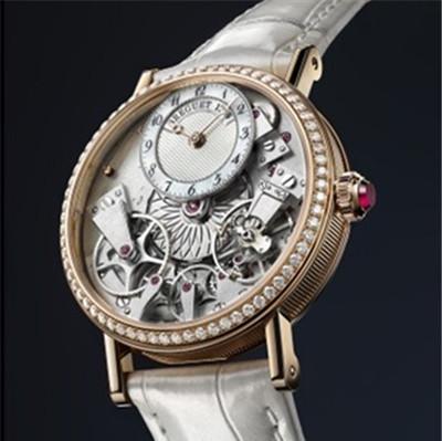 宝玑表于巴塞尔钟表展推出全新Tradition系列女士腕表