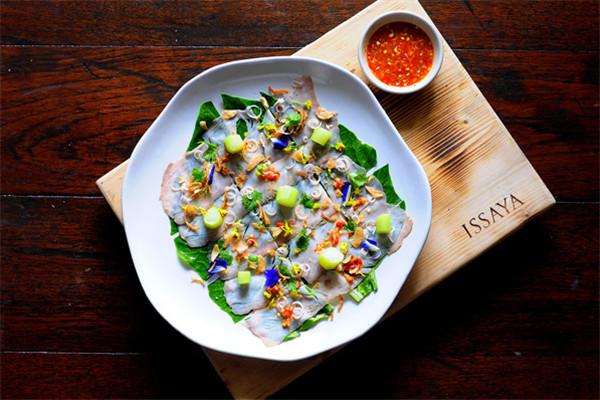 广州文华东方酒店携手泰国明星主厨开启全新美食体验