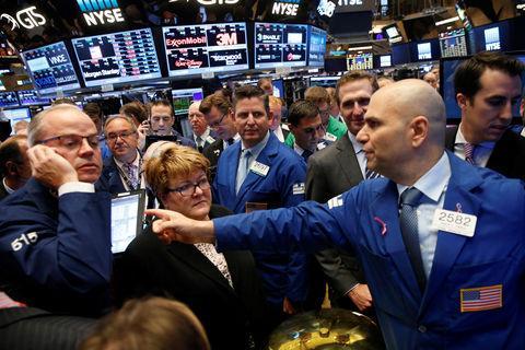 周四美股收低 科技股下跌金融股上涨