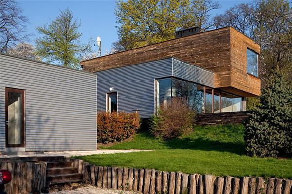 Anti庭院豪宅:别墅内部保持最大的开放性
