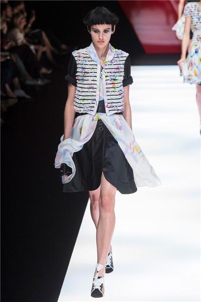 Giorgio Armani于米兰时装周发布2018春夏系列时装秀