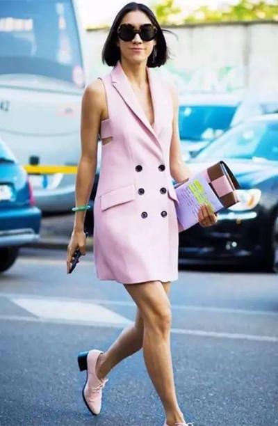 2017服装流行趋势示范 千禧粉单品你必须有一款