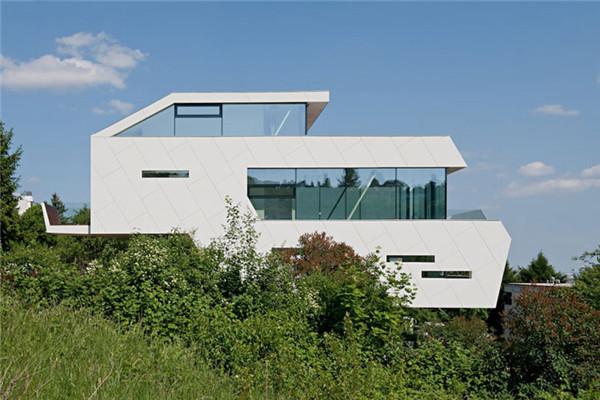 Pliack家庭豪宅:畅快呼吸享受阳光的健康沐浴