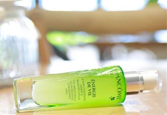缓解肌肤疲劳 Lancome推出全新水光润养精华液