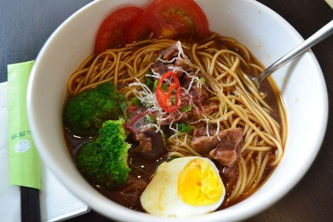 武汉机场牛肉面卖78元 未明确标价被罚款五千元