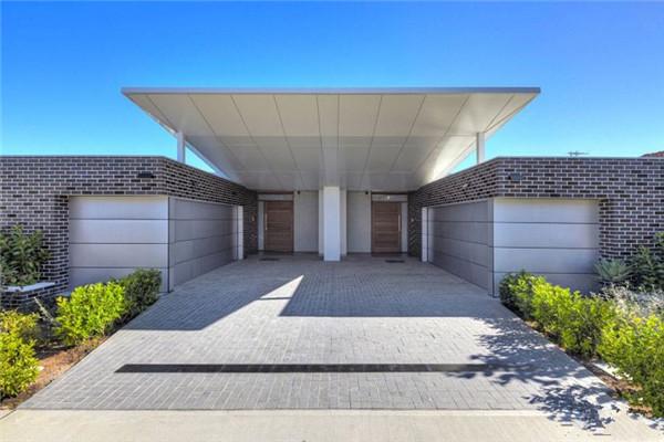 悉尼郊区豪宅:依偎着自然环境建的住宅平台