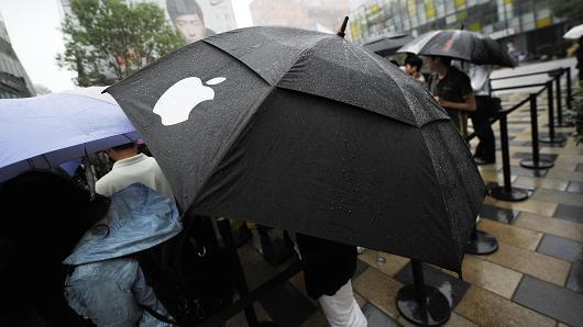 iPhone X需求惊人 苹果股价上涨1.2%