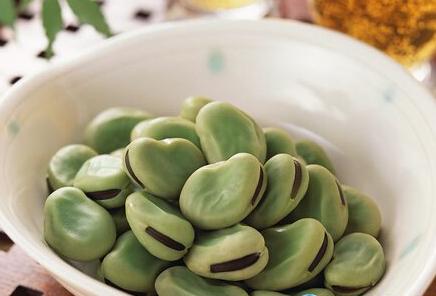 蚕豆的功效 吃它可以祛湿消肿