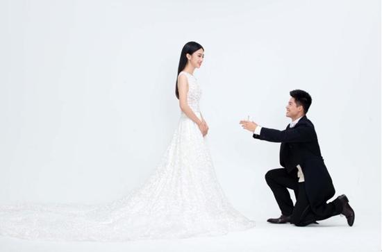 苏炳添十月大婚 结束青梅竹马爱情长跑十二年