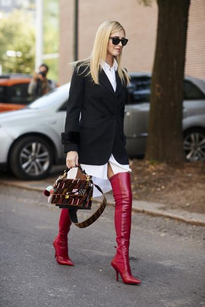 欧美秋季穿衣搭配技巧 西装+靴子秀出你的大长腿