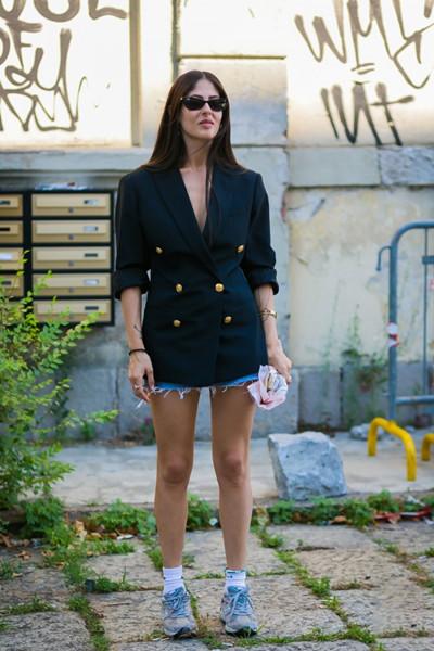 秋装穿衣搭配造型示范 西装混搭才是王道