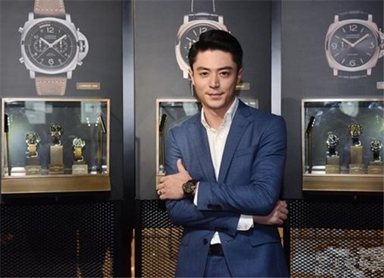 沛纳海携手霍建华推出2017全新系列腕表