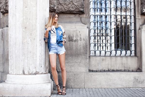 时尚博主街拍穿搭示范 每款造型都时髦的不得了