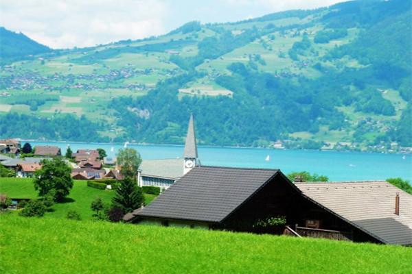 The Alpina Gstaad奢华酒店 被誉为「新经典的诞生」