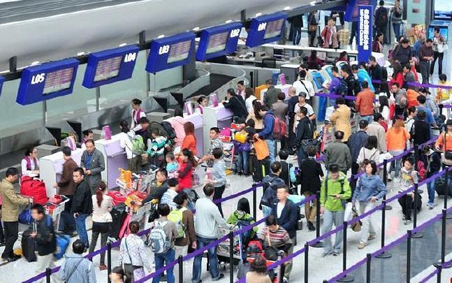 台媒发文感叹陆客出游 十一疯出境游台湾韩国赚不到