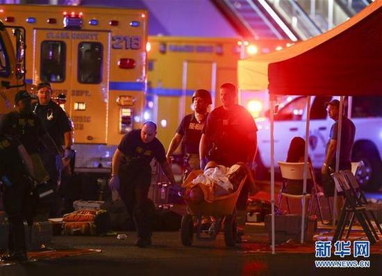 美枪击案已致50人死亡 事件由一名独狼式袭击者制造