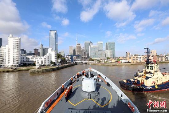海军舰队访问伦敦 系中国海军舰队首次到访英国首都伦敦