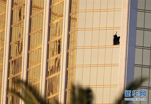 枪击案嫌犯在酒店装摄像头 大屠杀的每一个细节似乎都是精心策划的