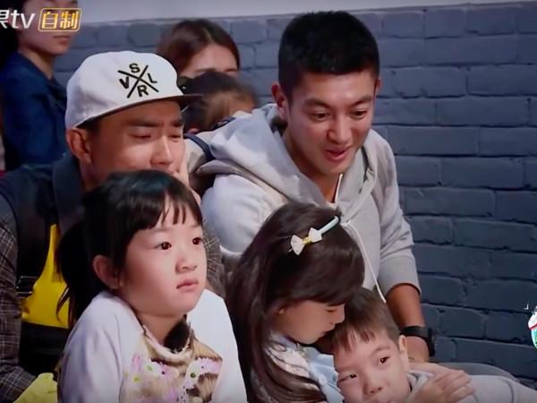 《爸爸去哪儿》嗯哼抱小泡芙 刘耕宏看傻眼