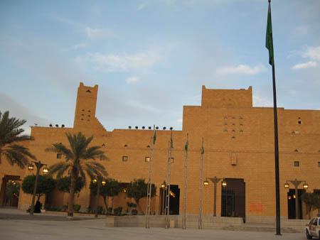 沙特王宫遭武装分子袭击 2名卫队士兵身亡3名士兵受伤