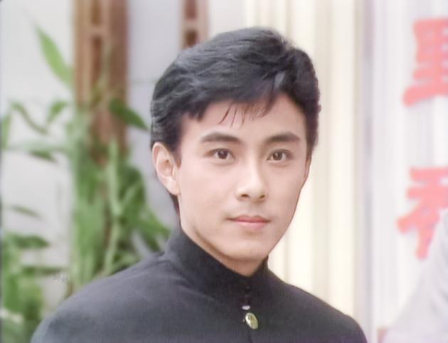 张卫健年轻照引舔屏 吴亦凡鹿晗张艺兴综合体啊!