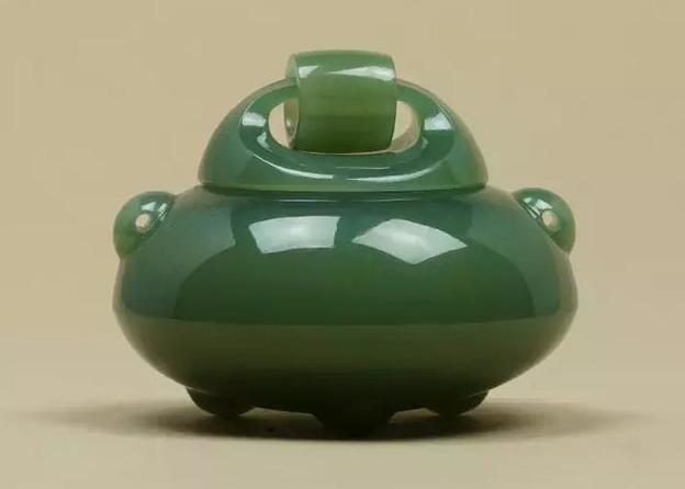 扬州当代玉雕碧玉活环沉香炉被正式收录为大英博物馆馆藏作品