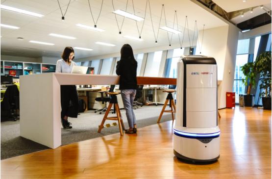 饿了么外卖机器人 中国首个智能外卖机器人万小饿出现在上海
