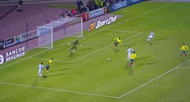 梅西上演帽子戏法 阿根廷3:1逆转厄瓜多尔